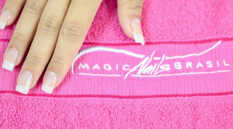 Magic Nails dá curso grátis de alongamento - Clube das Comadres