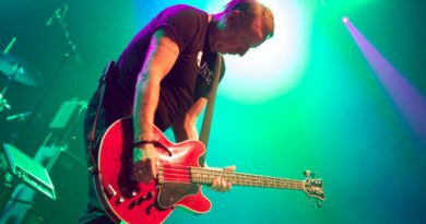 peter hook-apresenta-no-brasil-a-turne-substance-clube-das-comadres