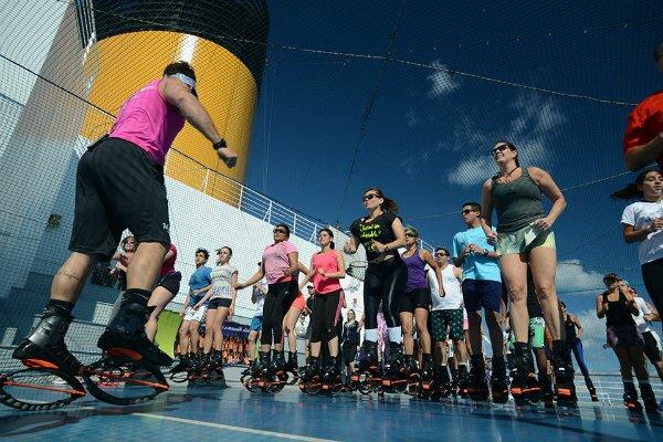 cruzeiros-com-aulas-de-ioga-bale-fitness-e-pilates-clube-das-comadres-1