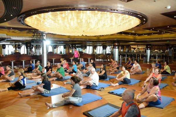 cruzeiros-com-aulas-de-ioga-bale-fitness-e-pilates-clube-das-comadres2