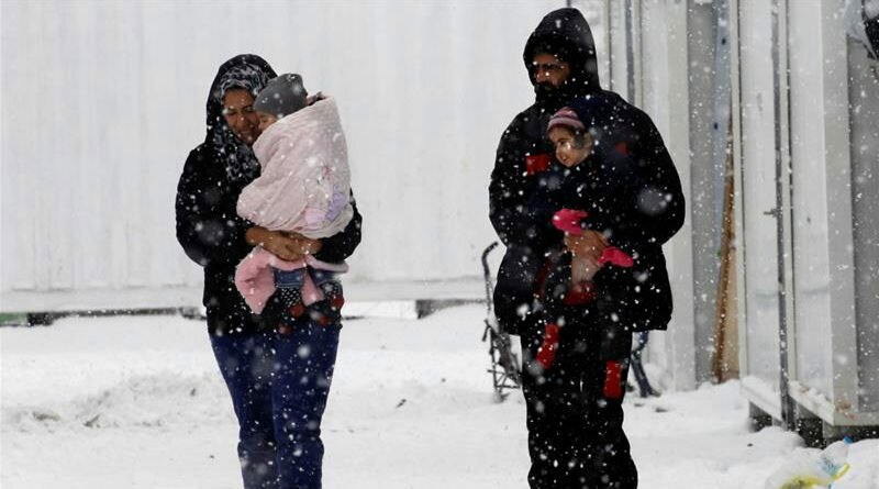 refugiados-sofrem-com-o-frio-na-europa-clube-das-comadres