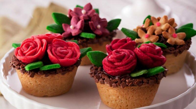 Vasinhos de biscoito com creme de chocolate - Clube das Comadres