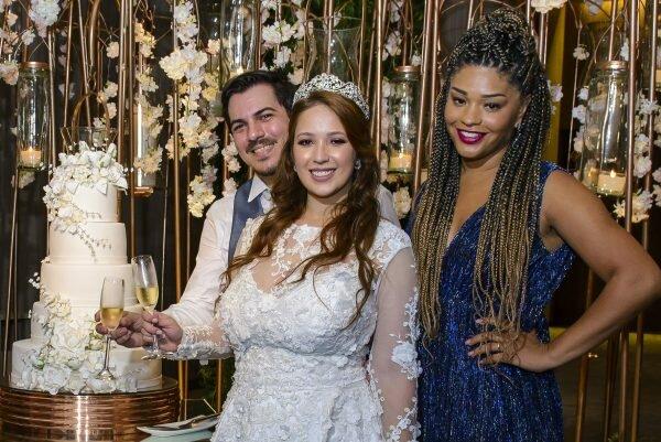 Juliana Alves - batizado - yolanda - filha